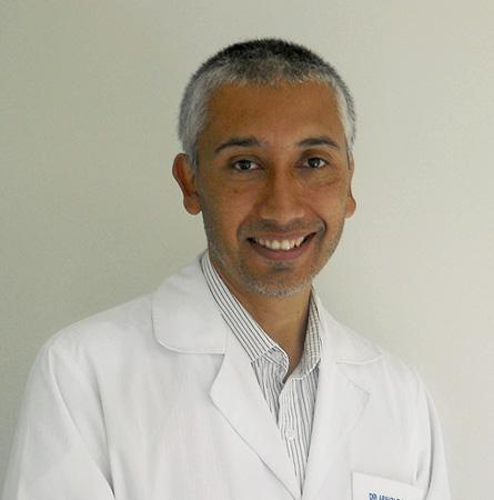 Dr. Arnoldo Riquelme Pérez