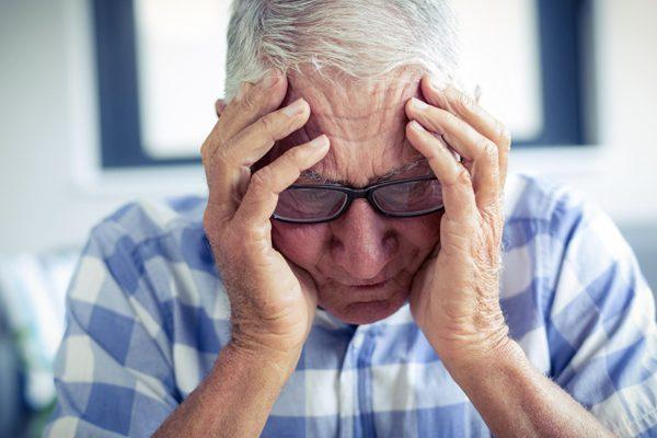 Académica de la carrera de Fonoaudiología UC investiga pausas discursivas en pacientes con esquizofrenia